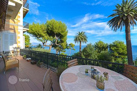 3 bedroom apartments for sale in Vallauris. Completely renovated apartment with 3 bedrooms and panoramic sea views in Cannes, Eden district