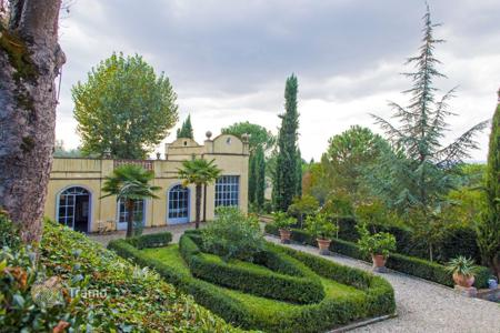 Luxury houses for sale in Cortona. Villa in Arezzo, Italy
