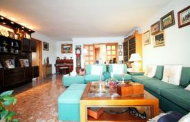 Spacious apartment with a parking and sea views in a residence with a swimming pool, Santa Ponsa, Spain for 500,000 €