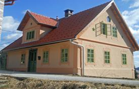 4 bedroom houses for sale in Slovenia. This is a renovated and restored older house on the outskirts of the village of Draga with beautiful views of the surrounding forests