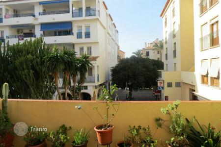 Cheap 3 bedroom apartments for sale in Moraira. 3 bedroom apartment with solarium just 450 metres to the beach in Moraira