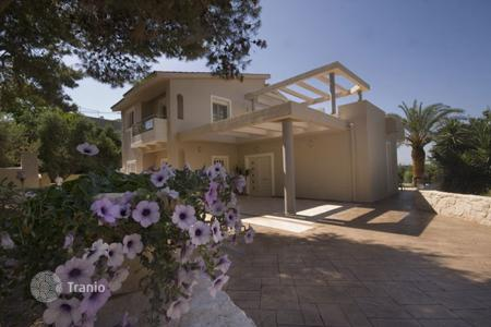 4 bedroom villas and houses by the sea to rent in Chania. Villa – Chania, Crete, Greece