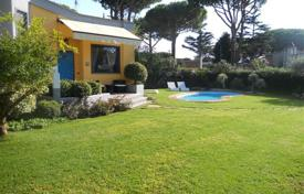 4 bedroom villas and houses by the sea to rent in Italy. Villa – San Felice Circeo, Latina, Lazio, Italy