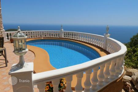 2 bedroom houses for sale in Cumbre. Villa of 2 bedrooms with private pool and stunning views over the sea in Benitachell