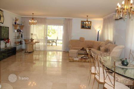 3 bedroom houses for sale in Netanya. Townhome – Netanya, Center District, Israel