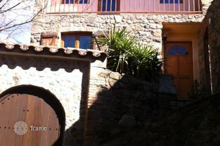 Foreclosed 2 bedroom houses for sale in Costa Brava. Villa – Gerona (city), Costa Brava, Spain