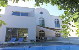4 bedroom houses for sale in Tavira. Detached 5 bedroom villa with pool in Tavira
