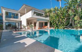 Luxury 4 bedroom houses for sale in Sitges. Villa in Sitges, Spain