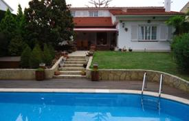 Houses with pools for sale in Tarragona. Modern villa with a swimming pool in the city center, Altafulla, Spain