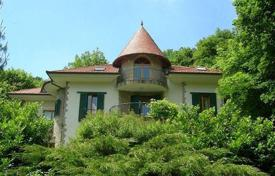 3 bedroom houses for sale in Hungary. Bright villa with two terraces, a sauna and a garden, near the forest, District XII, Budapest, Hungary