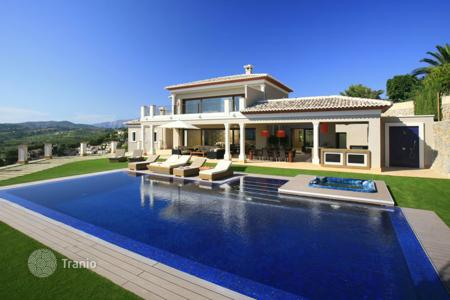 Luxury residential for sale in Moraira. Villa of 5 bedrooms in Moraira