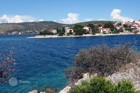 Coastal development land for sale in Sibenik-Knin. land first line in Rogoznica Razanj