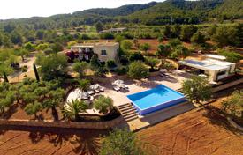 New villa with a terrace, a gargen, a pool and a view of the mountains, Santa Eulalia del Río, Ibiza, Spain for 17,200 € per week