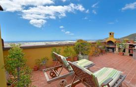 Duplex penthouse with an annex, a terrace, a children's pool, a barbecue area and a garage, Arona, Spain for 180,000 €