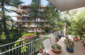Renovated apartment in a residential complex next to Via dei Due Ponti for 520,000 €