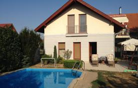Residential for sale in Keszthely. Two-level house with a pool, a garden and a garage in Keszthely, Hungary