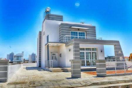 Cheap houses for sale in Cyprus. Villa - Famagusta (Gazimağusa), Gazimağusa, Cyprus