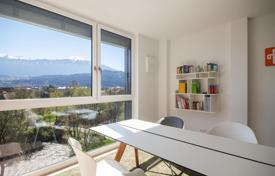 Property for sale in Tyrol. Comfortable apartment with a terrace, with views of the mountains, in the new house, Innsbruck, Austria