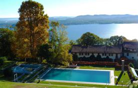 1 bedroom apartments for sale in Piedmont. Three bedroom apartment with swimming pool in Lesa, Maggiore lake