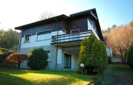 A two-level house with a garden in a quiet residential area, a few kilometers from Stresa, Italy for 420,000 €