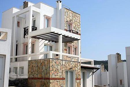 5 bedroom houses by the sea for sale in Western Asia. Villa with sea views near Gundogan