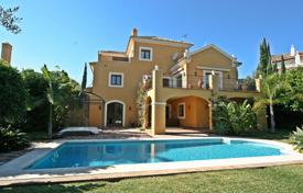 Houses for sale in Estepona. Elegant Andalucian Style Villa in El Paraiso