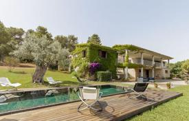 Luxury houses for sale in Majorca (Mallorca). Country villa with sea views, pool and garden, near the beach in Mal Pas, Alcudia, Mallorca