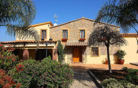 5 bedroom houses for sale in Tordera. Villa – Tordera, Catalonia, Spain