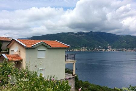2 bedroom houses by the sea for sale in Tivat (city). Villa – Tivat (city), Tivat, Montenegro