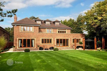 Property from developers for sale in the United Kingdom. Detached house – Buckinghamshire, United Kingdom