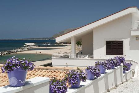 Coastal villas and houses for rent in Sicily. Villa - Trappeto, Sicily, Italy