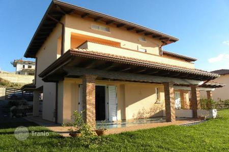 Residential for sale in Diamante. New villa on the seashore with own garden in the city Diamante, Calabria