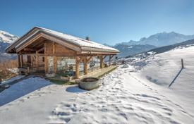 Luxury houses with pools for sale in Auvergne-Rhône-Alpes. Spacious chalet with a pool and a sauna, with spectacular views of the mountains, Megeve, Alpes, France