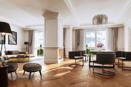 Luxury penthouses for sale in Berlin. New penthouse with a large terrace next to the forest and lake in the Grunewald district, Berlin