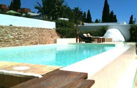 3 bedroom houses for sale in Ibiza. Villa on the Golf Course with Commercial Potential