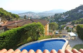 Houses with pools for sale in Costa Brava. Villa – Lloret de Mar, Catalonia, Spain