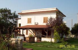 3 bedroom houses for sale in Abruzzo. Beautiful villa in Chieti, Italy