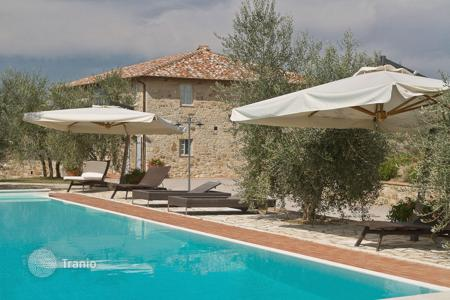 Villas and houses for rent with swimming pools in Castelnuovo Berardenga. Villa – Castelnuovo Berardenga, Tuscany, Italy