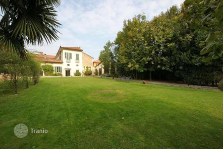 Luxury property for sale in Lombardy. LUXURY RESIDENCE built in 1500 — 53Km far from COMO LAKE