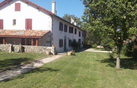 Property for sale in Hauts-de-France. Historical villa with a pool and a garden, 30 minutes drive from the Spanish border, Pas-de-Calais, France