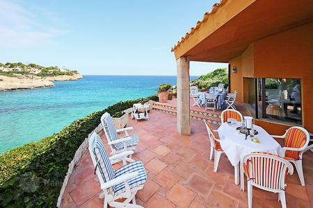 3 bedroom villas and houses to rent in Majorca (Mallorca). Detached house – Porto Cristo, Balearic Islands, Spain