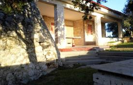 Property for sale in Apulia. Villa with an olive garden 50 meters from the sea, Castrignano del Capo, Italy