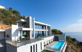 Luxury property for sale in Saint-Raphaël. Modern villa with a panoramic sea view, three terraces and a parking, Antheor, Saint Raphael, France