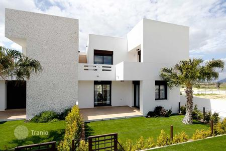 Cheap townhouses for sale in Spain. 3 bedroom townhouses in La Finca golf course