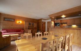 2 bedroom apartments for sale in Haute-Savoie. Two-bedroom apartment in a renovated 'Belle Epoque' style building, Morzine, France