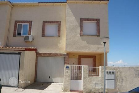 Cheap property for sale in Magán. Villa - Magán, Castille La Mancha, Spain