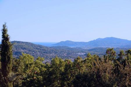 Land for sale in Muan-Sarthe. Development land – Muan-Sarthe, Côte d'Azur (French Riviera), France