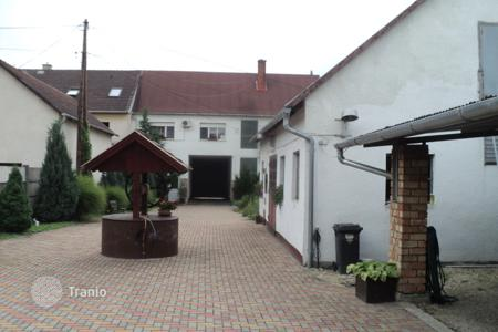 Residential for sale in Tata. Detached house - Tata, Komarom-Esztergom, Hungary