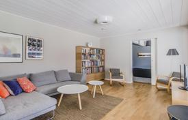 Property for sale in Espoo. Townhouse with a terrace and a sauna, Espoo, Finland