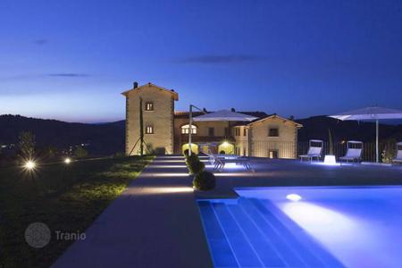 Coastal residential for sale in Florence. Villa – Florence, Tuscany, Italy